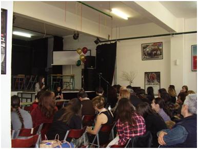 Το κοινό μαγεύεται από το μουσικό σχήμα του Πειραματικού Γυμνασίου του Πανεπιστημίου Μακεδονίας.